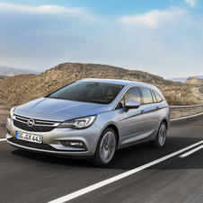 The Astra Sports Tourer shows the next evolution of Opel's design through the new chrome bar on the grille