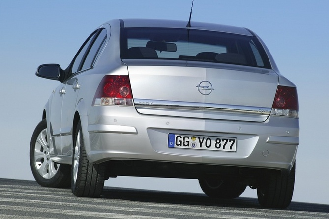 Opel Astra Sedan 1.8 Automatic