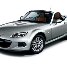 The MX-5 gets a new front bumper as part of the refresh