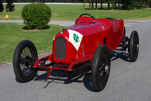 The Quadrifoglio Verde insignia was first used on the 1923 Alfa Romeo RL in the Targa Florio