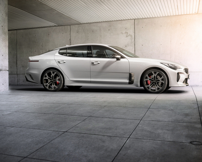Kia wows NAIAS with Stinger