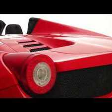 FERRARI 458 SPIDER OFFICIALLY REVEALED