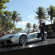 Five Aventador Roadsters Blasts Across Miami Runway