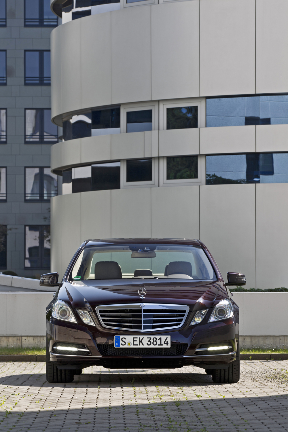 Mercedes-Benz E 300 BlueEfficiency Avantgarde 7G-Tronic