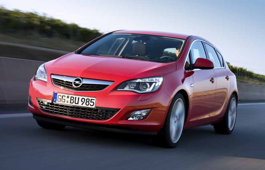 Cudowna Opel Astra 1.7 CDTI DPF Cosmo :: 5 photos and 60 specs :: autoviva.com AV66