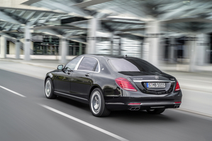 Early versions are the Mercedes-Maybach S 600 and S 500 which were unveiled at the Los Angeles Motor Show